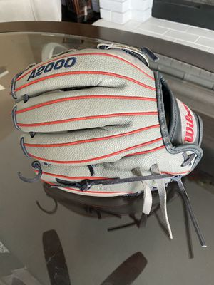 Wilson a2000 12 inch fastpitch softball 🥎 glove Make me an offer for Sale in Chino, CA