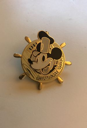 Disney Steamboat Wille Ship Wheel Pin for Sale in Columbus, OH
