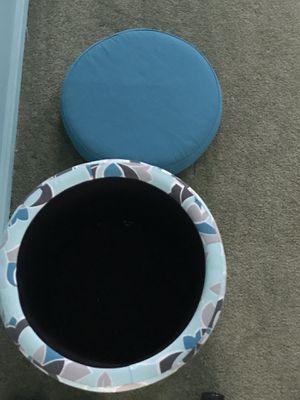 Storage ottoman. Brand new condition for Sale in North Royalton, OH