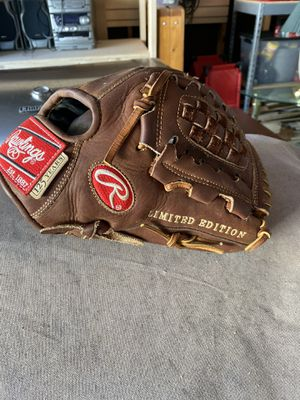 Rawlings limited edition heart of the hide glove for Sale in Chesapeake, VA