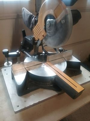 """9"""" Compound Sliding Miter Saw. Works perfectly. for Sale in Middletown, MD"""