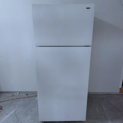 Hotpoint Refrigerator for Sale in Damascus,  OR