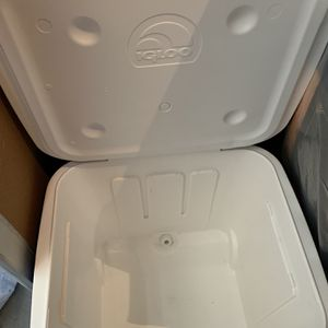 Ice Cube Cooler for Sale in Newark, CA