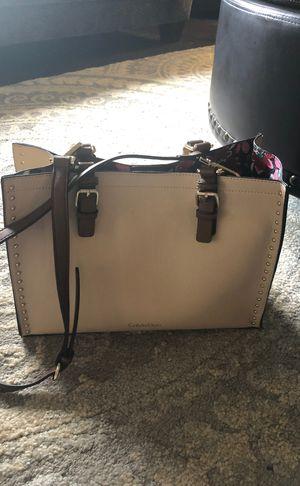 Calvinklein crossbody bag for Sale in Dearborn Heights, MI