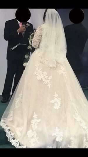 Ivory wedding dress for Sale in Keizer, OR