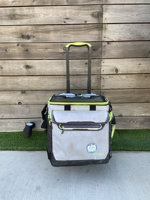 Cooler Bag With Wheeled Cart for Sale in Los Angeles, CA