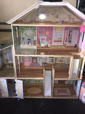 Doll house 🏠 for Sale in Minneapolis, MN