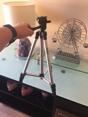 Tripod for Sale in Alpharetta, GA