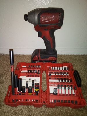 Milwaukee impact drill m18 with customized it kit and dual charger for Sale in Spring Valley, CA