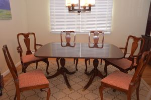 Kittinger dining table and chairs for Sale in Arlington, VA