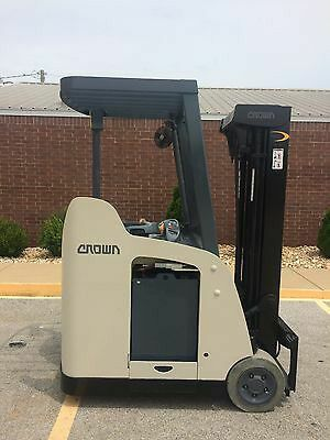 Crown RC300 Electric Forklift for Sale in Montclair, CA