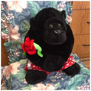 Lovely Monkey plushie , soft , great condition , measure 15 inch H Price negotiable for Sale in Elizabeth, NJ