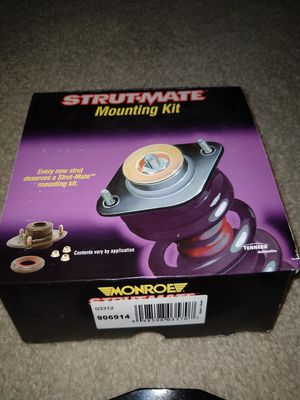 Pair (2) of Monroe Kit 906914 (fits 2000-2008 Nissan Maxima) for Sale in Smyrna, GA