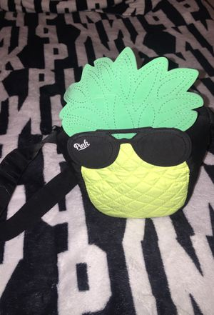 VS PINK Pineapple Lunch Box for Sale in Riverdale Park, MD