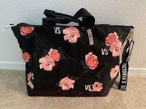 New VICTORIAS SECRET Love Roses Tote Bag for Sale in Maple Valley, WA