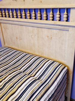 Posturepedic Mattress/ Boxspring/ Headboard for Sale in Bloomfield Hills,  MI