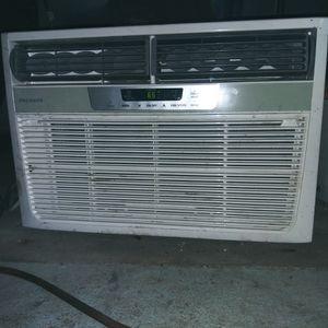 AC / HEAT Window Unit *LIKE NEW* 32207 for Sale in Jacksonville, FL