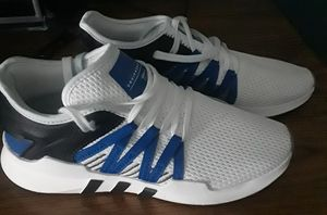 Adidas shoes size 7 for Sale in Houston, TX