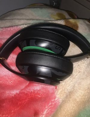 Beats Black Boston Celtics Studio3 Wireless Headphones - NBA Collection for Sale in Allentown, PA
