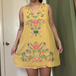 Yellow flower dress for Sale in Silver Spring,  MD