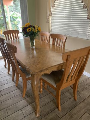 Table with 6 comfy chairs $230 OBO for Sale in Bakersfield, CA