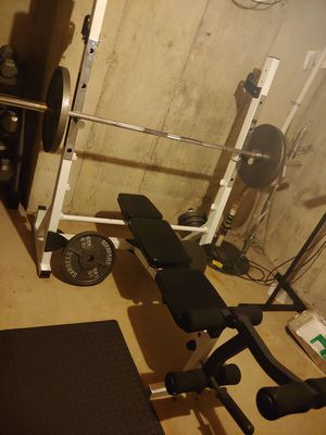 Squat and bench press set for Sale in Batavia, IL