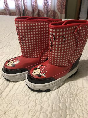 Minnie snow boots for Sale in San Jose, CA