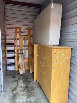 Loft bed, desk, dresser, ladder, and mattress for Sale in North Ridgeville, OH
