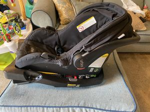 Urbini infant car seat. for Sale in Galloway, OH