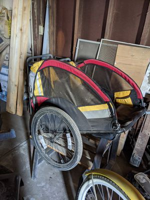 2 kid bike trailer for Sale in Modesto, CA