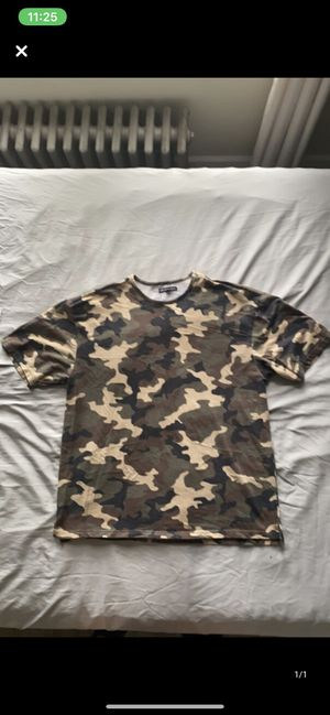 Camo T-shirt for Sale in Fort Lee, NJ