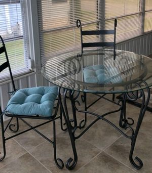 Dining room table for Sale in Winter Haven, FL
