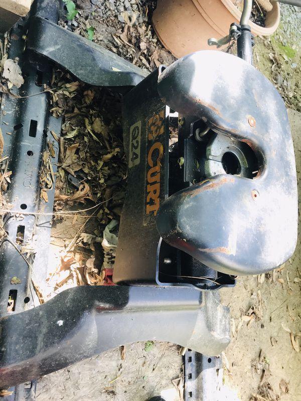 Curt Q24 5th wheel