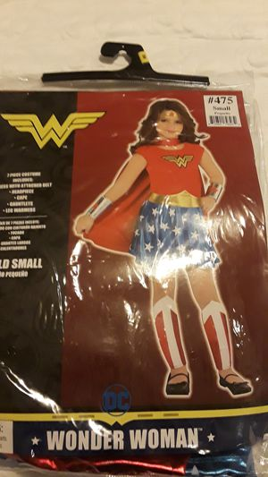 Girl's wonder woman costume size 4-6yrs for Sale in Los Angeles, CA
