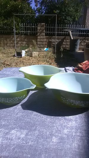 Large Green Pyrex Bowls for Sale in Los Angeles, CA