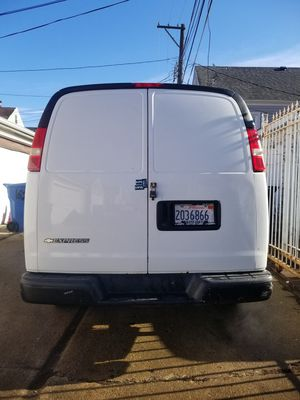 Chevy express 2007 for Sale in Chicago, IL
