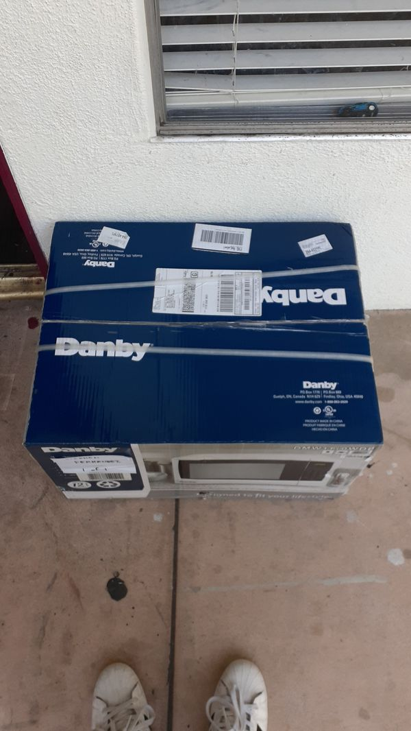 Danby 1110w microwave