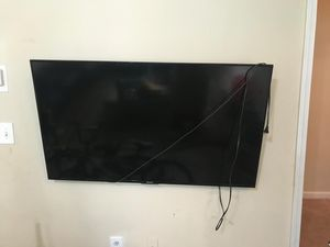 """Hisense 55"""" 4K UHD Smart TV with wall mount included for Sale in Franklin, TN"""