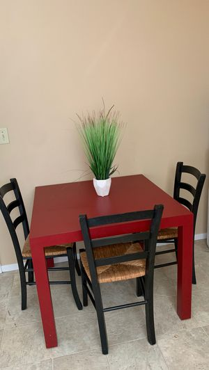 Red kitchen table 4 chairs for Sale in Gilroy, CA