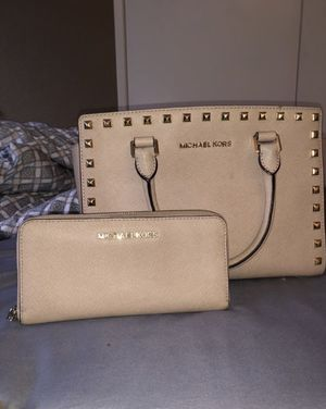 Micheal Kors Selma Purse and Wallet for Sale in Sacramento, CA