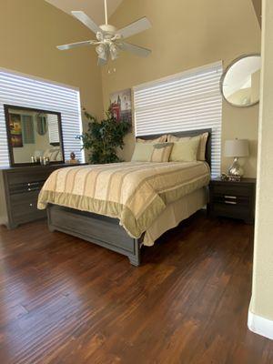 Queen bedroom set for Sale in North Las Vegas, NV