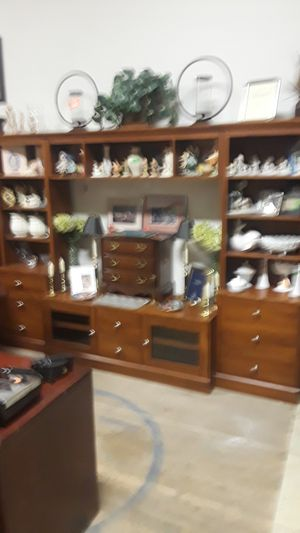 Very large TV stand for Sale in Cleveland, OH