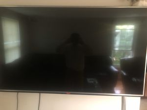 65INCH 4K LG TV !! Great condition ! You can only mount this tv ! for Sale in Gaithersburg, MD