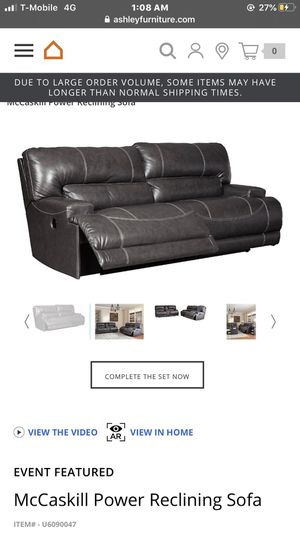 Power reclining sofa (NEW) for Sale in Kent, WA