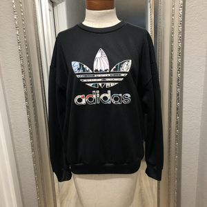 🔥ADIDAS TEXTURED FLORAL TREFOIL CREWNECK SWEATSHIRT🔥 for Sale in Mountlake Terrace, WA
