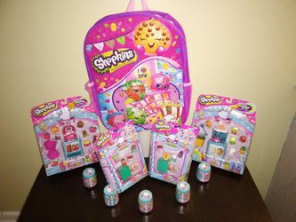 Brand New Shopkins Collectibles with BACKPACK 🎄 for Sale in Lithonia,  GA