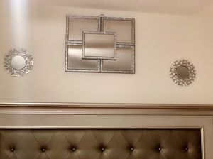 Mirror wall decorations for Sale in Arnold, MO