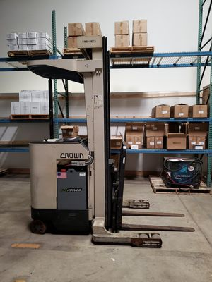 Crown RR3000 Reach Truck (forklift) for Sale in Addison, IL