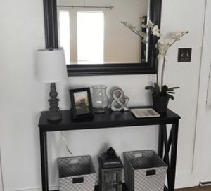 Small Console Table for Sale in Glen Burnie, MD