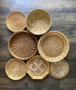 • 7x wicker rattan woven baskets wall hanging boho • for Sale in Issaquah, WA